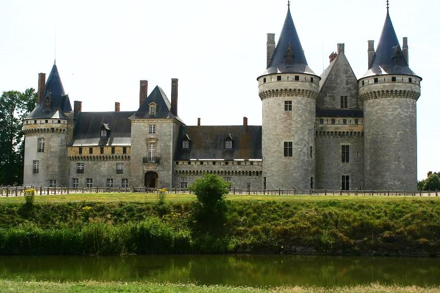 CRUCEROS FLUVIALES CANALES DE FRANCIA RENAISSANCE CRUCEROS LOIRA CANAL DE BRIARE CANAL LATERAL A LA LOIRE CRUCEROS LOIRA CASTILLOS DEL LOIRA SULLY SUR LOIRE CHATEAU CASTILLOS DE FRANCIA