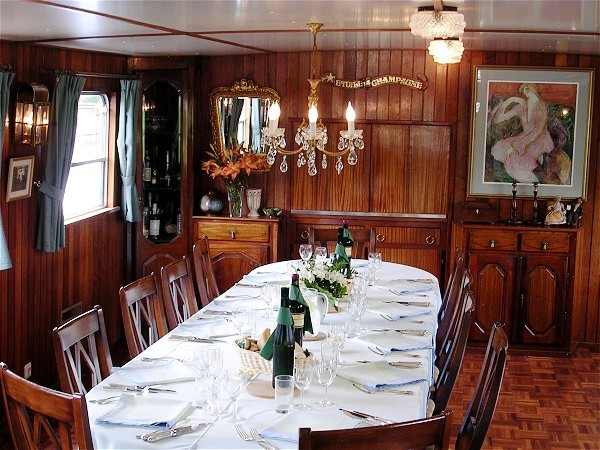CRUCEROS FLUVIALES CANALES DE FRANCIA CANAL BORGOÑA SAVOIR FAIRE EUROPEAN WATERWAYS GO BARGING HOTEL BARGE ALQUILER BARCOS FRANCIA CRUCEROS FLUVIALES LUJO PRIVADO BORGOÑA BURGUNDY BARGE CRUISES HOLLAND CRUISES BELGIUM BARGE CRUISES PARIS CRUISES