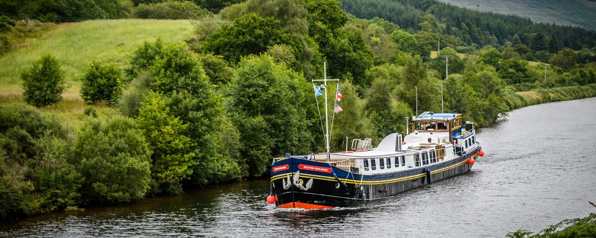 CRUCEROS FLUVIALES ESCOCIA CRUCEROS FLUVIALES HIGHLANDS CRUISES SCOTLAND SOTTISH HIGHLANDER CRUISES BARGE CRUISES SCOTLAND UNITED KINGDOM CRUISES FAMILY CRUISES SCOTLAND CHARTER CRUISES