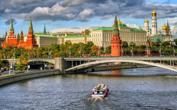 RUSIA MOSCU CRUCEROS FLUVIALES CRUCEROS RIOS DE RUSIA CRUCEROS FLUVIALES RUSIA RUSSIAN RIVER CRUISES MOSCOW RUSSIA KREMLIN MOSCOW MOSCOVA PALAZZO REALE REGGIA MOSCA PALAZZO RUSSIA MOSCA MOSCU PALACIO REAL KREMLIN DE MOSCU RUSIA PALACIOS DE RUSIA MOSCU #Moscu #Kremlin #Rusia #Russia #Moscow #KremlinMoscow